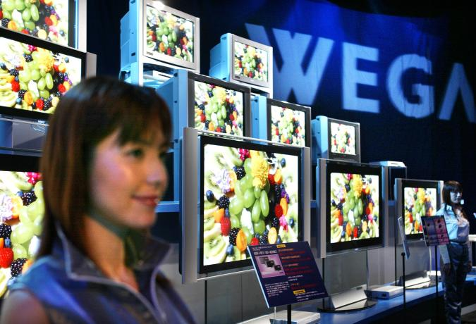 """Sony Corp displays the new """"WEGA"""" line of television models at an unveiling in Tokyo August 28, 2003. Sony Corp, the world's biggestconsumer electronics group but a laggard in the fast-growing flat-panelTV market, said on Thursday it had reorganised its Japanese factoriesto meet sharply rising demand for flat-panel sets. REUTERS/Issei KatoIK/TW"""
