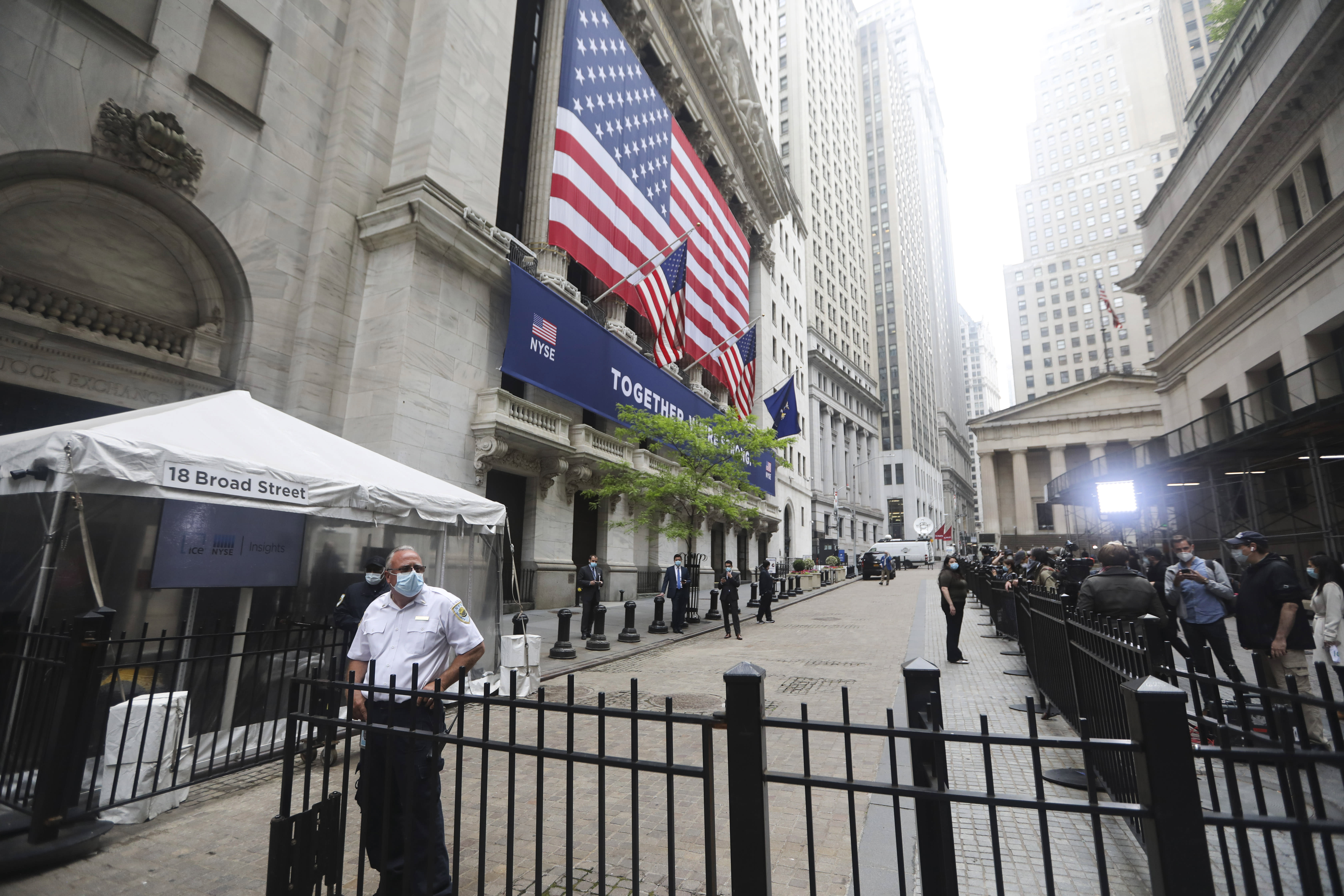 Stock futures roughly flat after S&P 500's highest close since early March