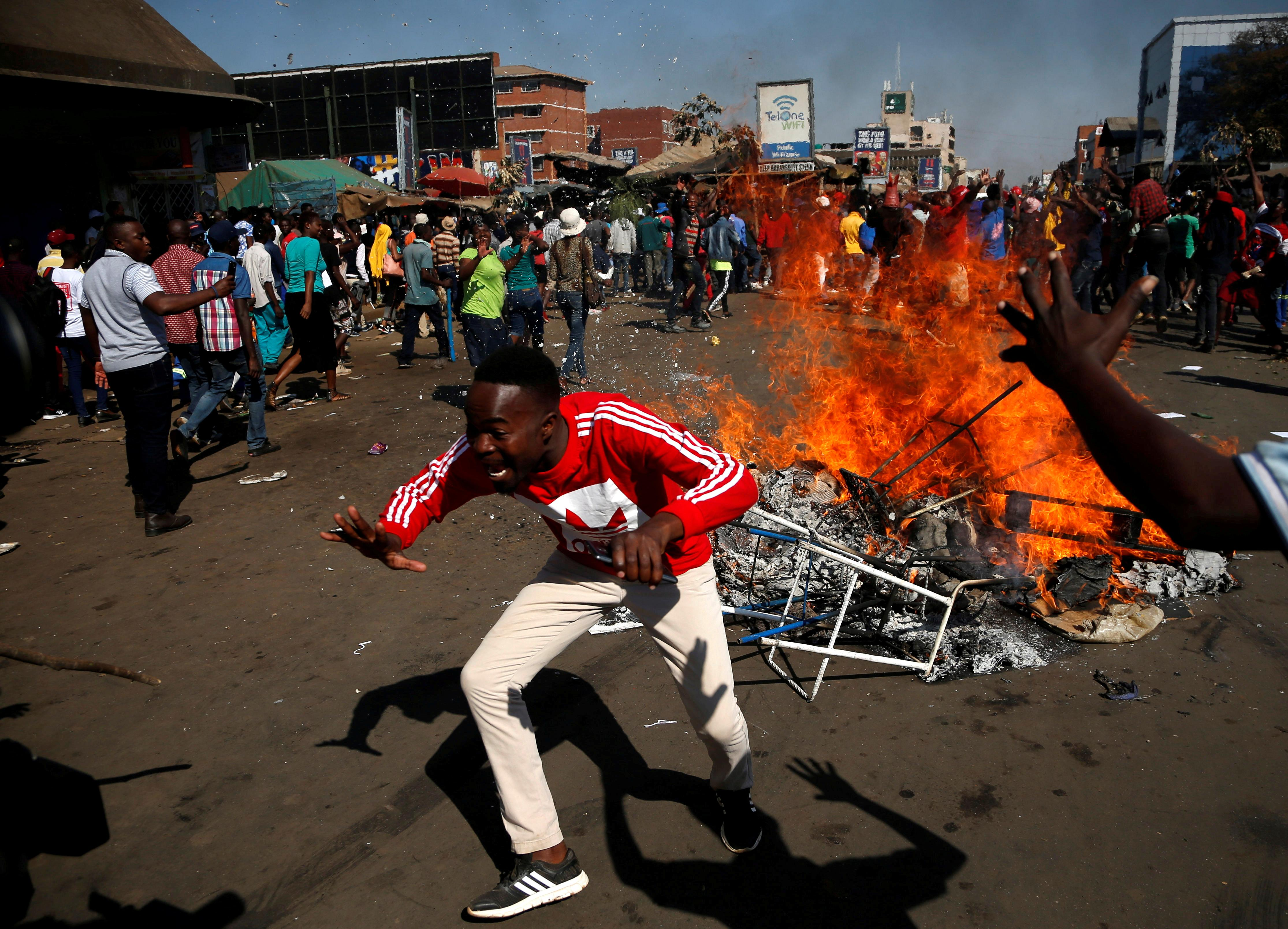 Post-election clashes in Zimbabwe turn deadly