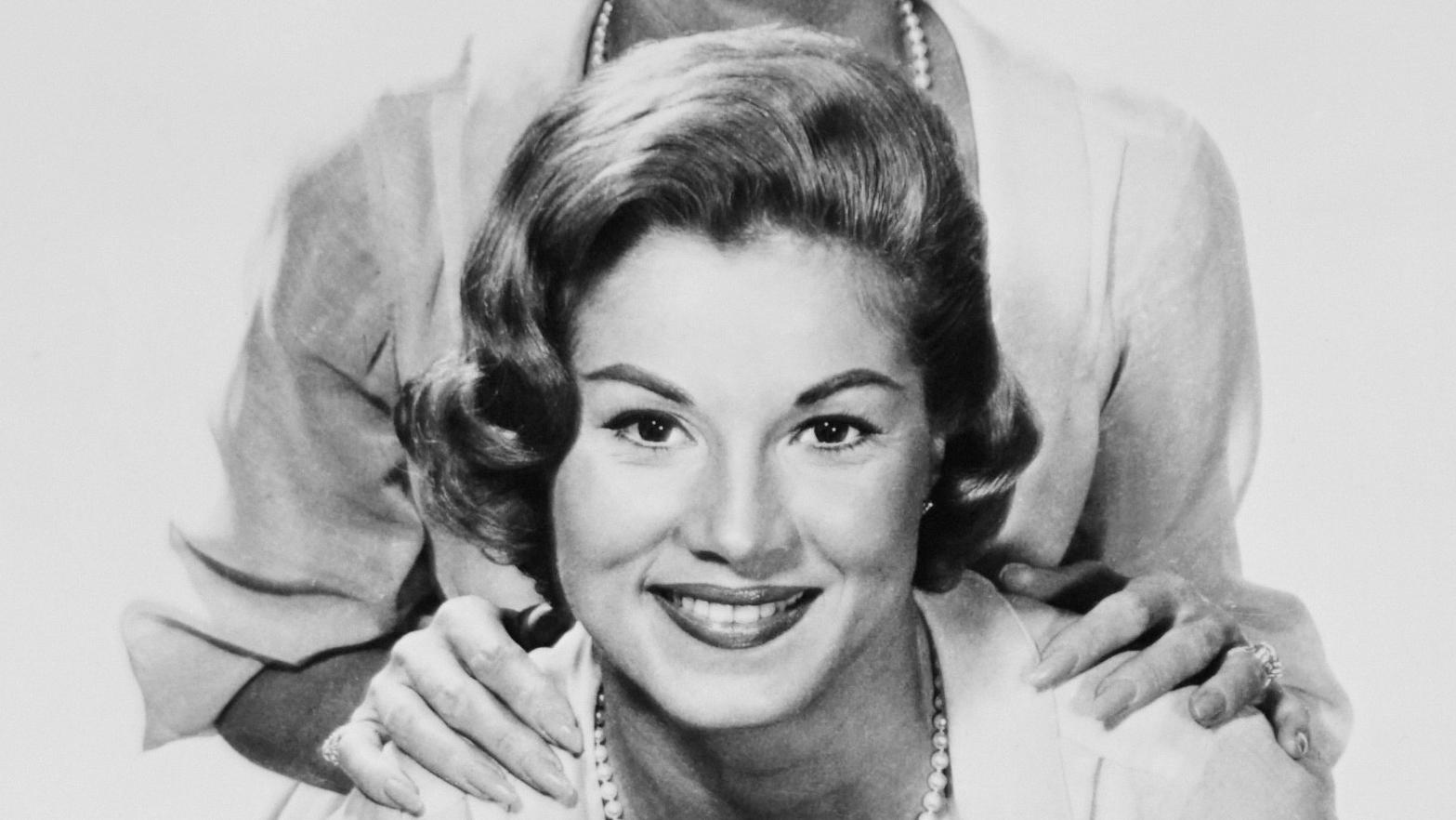 Phyllis McGuire, Lead Singer and Last Remaining Member of the McGuire Sisters, Dies at 89
