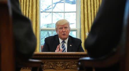 Trump promete renegociar o abandonar acuerdo comercial con Corea del Sur