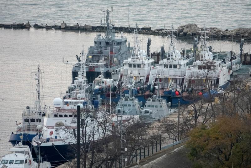 Russian Federation returns three seized naval ships to Ukraine