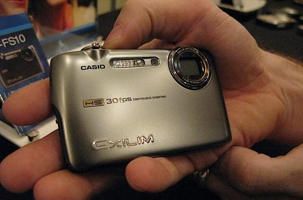 Hands-on with Casio's EX-FS10 and EX-FC100 compacts:  30fps burst, 1000fps video
