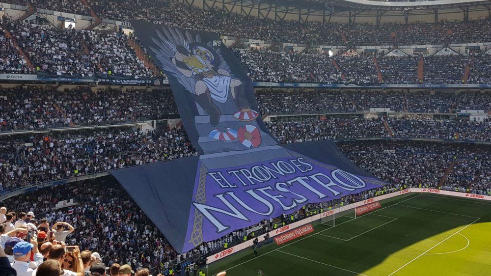 'El trono es nuestro' - Espectacular tifo de los aficionados del Real Madrid