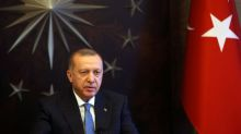 Pressure for Turkey lockdown grows, Erdogan vows to sustain economy