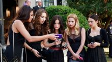 """This """"Pretty Little Liars"""" star just got engaged, and here's to hoping A won't crash the wedding"""