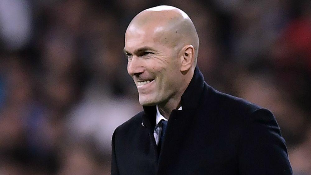 """Zidane: """"Quiero que Isco renueve. Él quiere jugar en el Real Madrid"""""""