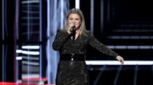 Kelly Clarkson rejects 'moment of silence,' calls for change at Billboard Music Awards