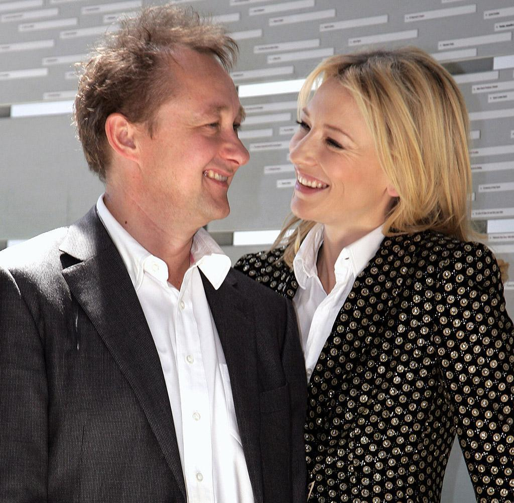 Cate Blanchett's Husband Proposed After 21 Days, but She ... Cate Blanchett Interviews