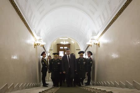 Ukrainian President Petro Poroshenko visits the defence ministry headquarters in Kiev