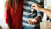 Banks overcharge on mortgages, 'they know they own the market': LowestRates.ca