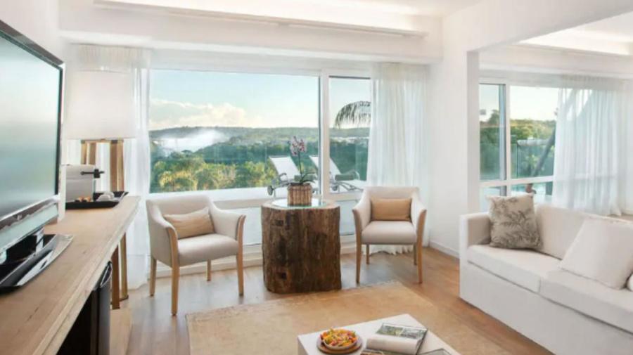 El lujoso hotel de seis estrellas que inauguró hoy Macri en las Cataratas