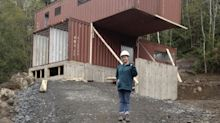 Una canadiense construye una casa de lujo… ¡con cuatro contenedores!