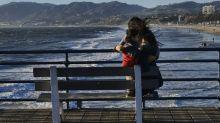 Fuertes vientos azotan el sur de California y matan a pareja