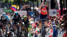 Froome takes Vuelta lead, Nibali wins third stage