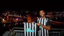 Callum Wilson é anunciado oficialmente pelo Newcastle