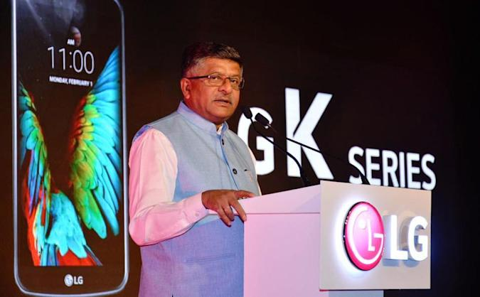 India mandates all smartphones must come with a panic button