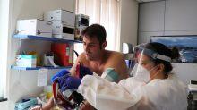 Governo destaca saldo de 'recuperados' mas não tem estratégia para tratar sequelas da covid-19