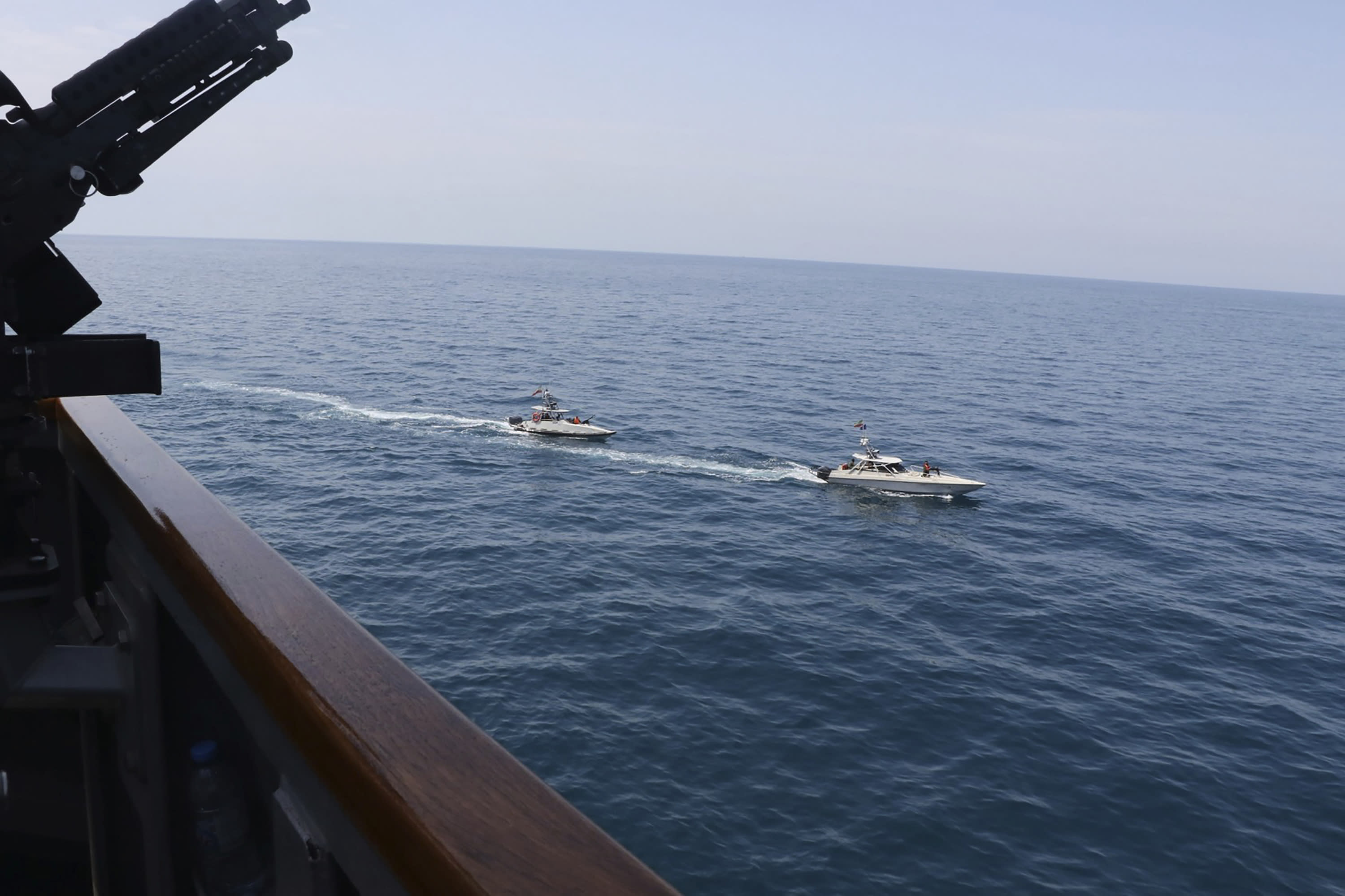 Iranian vessels come dangerously close to American military ships -US military