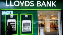 Britain's Lloyds Banking Group cuts 865 jobs