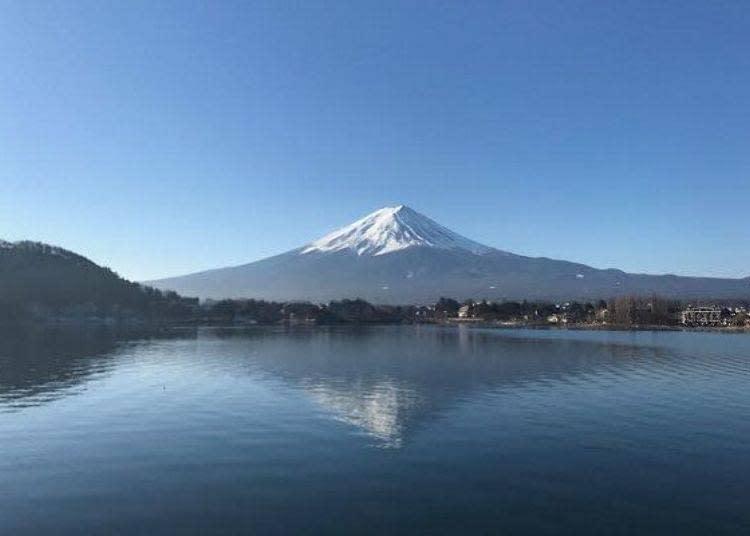 富士吉田市週邊能清楚眺望富士山。河口湖畔一帶也很適合自駕旅遊。