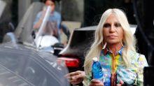 Venda da Versace para Michael Kors criará empregos na Itália, diz Donatella