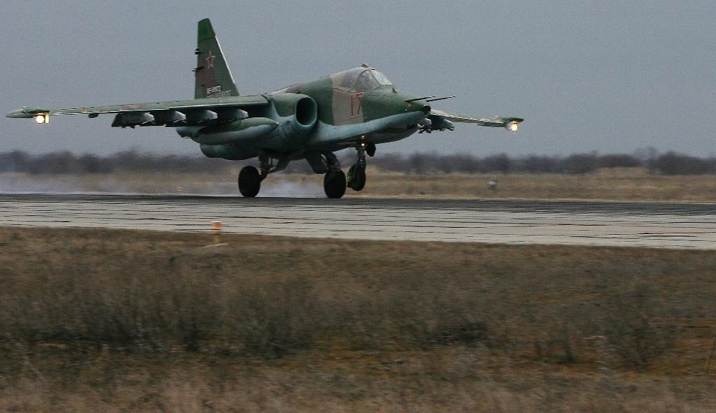 A Russian Air Force Su-25 SM attack plane takes off during a drill at Primorkso-Akhtarsk, Krasnodar region, on February 26, 2015
