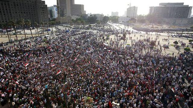 Egyptian protesters want Mubarak to receive death penalty