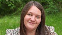 Trois ans après le décès de son mari, elle accouche de leurs jumeaux