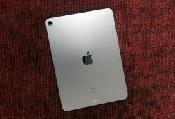 Apple's iPad Air returns to a record low $539 at Amazon
