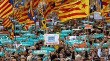 """Semaine décisive en Catalogne: """"tous les scénarios"""" envisagés par les indépendantistes"""