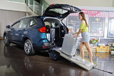一車多用更全能!Luxgen URX 5+1樂活款售價86.8萬元起在台上市