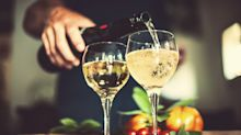 Warum stehen auf Alkoholflaschen von Bier, Wein & Co. keine Nährstoffangaben?