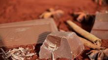 Comer chocolate pode reduzir risco de problema no coração, diz estudo