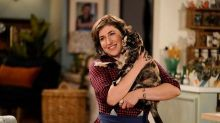 'Call Me Kat' Trailer: Mayim Bialik Opens a Cat Café and Breaks the 4th Wall (Video)