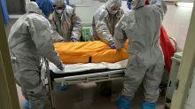 Número de mortos por covid-19 no mundo passa de 957.000