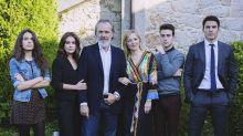 Netflix adquiere los derechos de la serie 'Vivir sin permiso' y Telecinco renueva ¡antes de estrenarla!