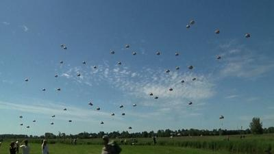 Raw: Paratroopers Join D-Day Commemoration