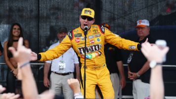Fan confronts Kyle Busch after Bristol race