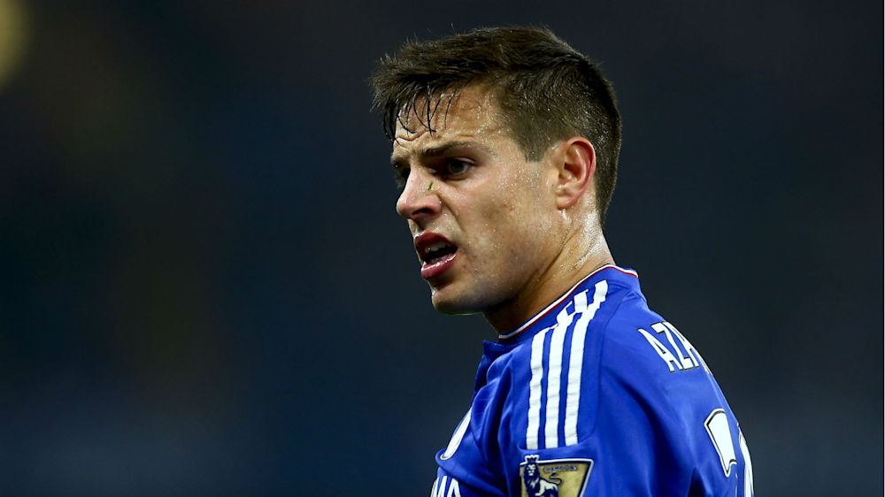 Azpilicueta 'flattered' by Barca interest but wants Chelsea stay