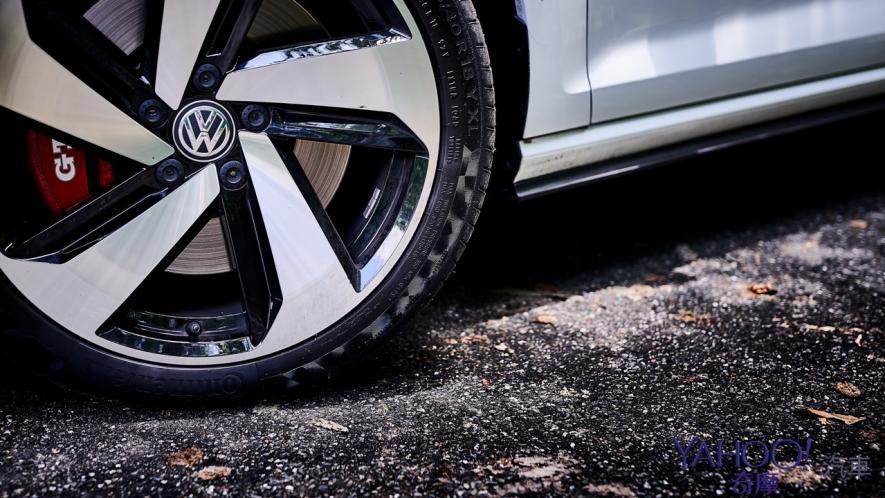 純粹駕馭的經典傳承!5代目視角下的2019 Volkswagen Golf GTi Performance Pure試駕 - 10