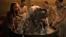 Crítica: Dumbo nos hace revivir emociones de la infancia recordando lo cruel que puede ser el humano
