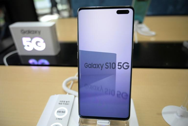 A Samsung Galaxy S10 5G smartphone displayed at a telecom shop in Seoul last month (AFP Photo/Jung Yeon-je)