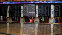 Bolsas europeas declinan por Brexit y temores de guerra comercial