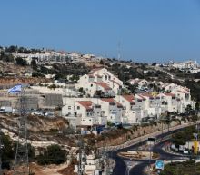 U.S. backs Israel on settlements, angering Palestinians and clouding peace process