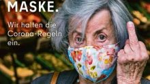 """Un dito medio contro i """"No Mask"""": lo spot scatena le polemiche a Berlino """"Imbarazzante"""""""