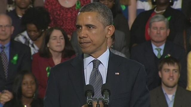 Obama, With Newtown Families, Demands Gun Control Vote