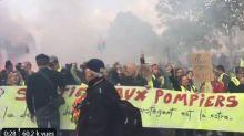 Pour leur acte 49, les gilets jaunes rendent hommage aux pompiers dans le calme
