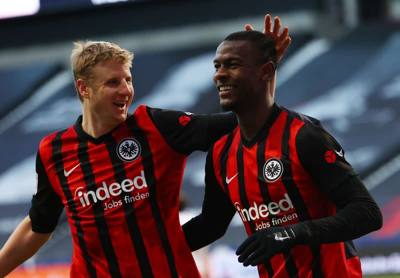 Frankfurt break into top four with 2-0 win over Cologne