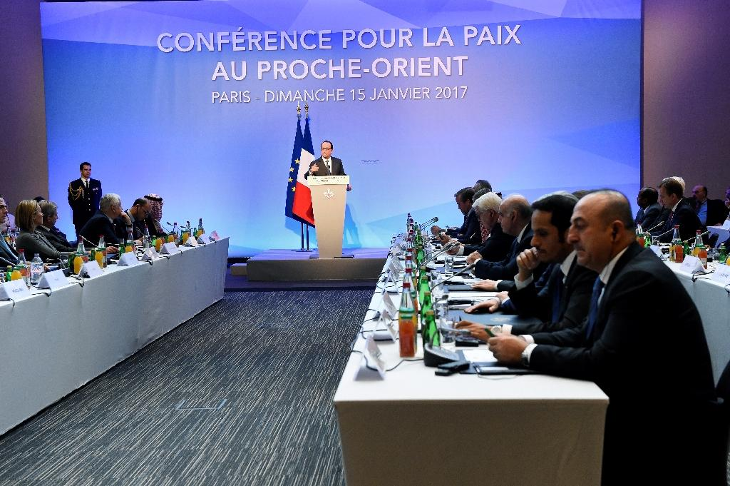 French President Francois Hollande delivers a speech at the Middle East peace conference in Paris on January 15, 2017